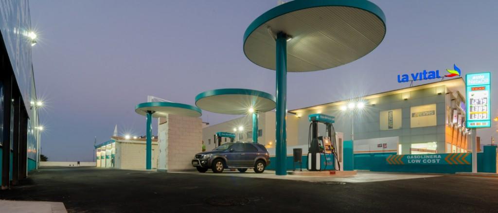 Estación de servicio y autolavado AutoNet 24  construida en Gandia por COPRUSA Ingeniería y Construcción, SLU