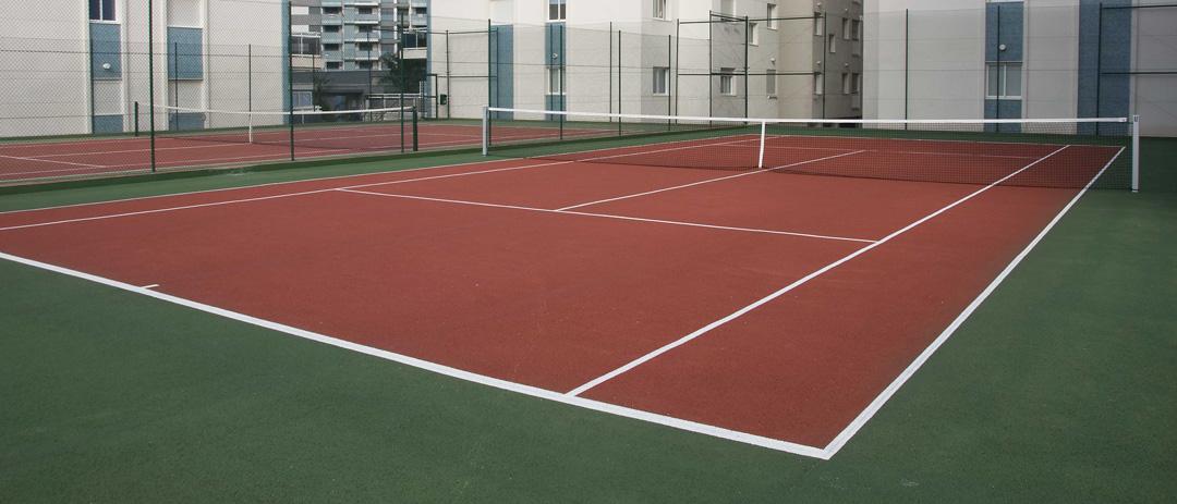 Pistas de tenis residencial Athenea en Gandia construidas por COPRUSA Ingeniería y Construcción SLU.
